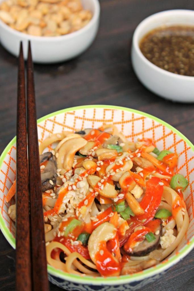 30 Minute Vegetarian Spicy Thai Noodles Recipe 4