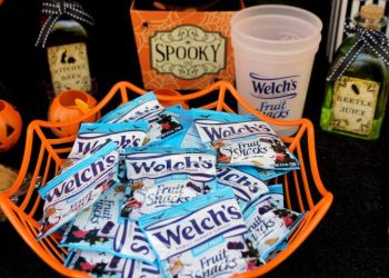 4 Simple Ways To Have A Family Friendly Halloween Party