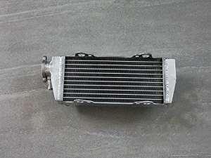 RADIATEUR POUR KTM 125/200/250/300 SX/SXS/EXC/MXC/XC-W 1998-2007 (GAUCHE)