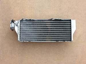 RADIATEUR POUR HUSQVARNA WR/CR125 00-13,CR250 00-05,WR250 00-13,WR300 09-10,WR360 00-02 (DROIT)