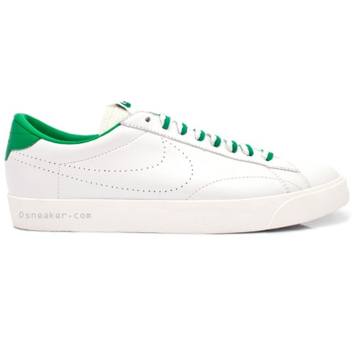 Nike Tennis Classic – Vintage Green