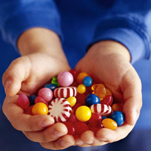 candy-in-kids-hands
