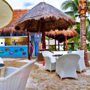 bar-on-Playa-del-Carmen-beach