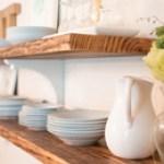 DIY-DINING-ROOM-SHELVING