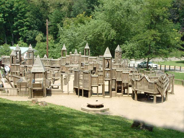 11 Pittsburgh Playgrounds That Kids And Parents Love