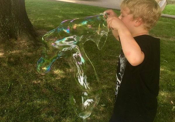 Maker Monday: Super Bubbles