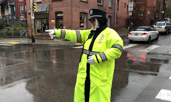 Kidsburgh hero: Crossing guard Cathy Gamble will make your day