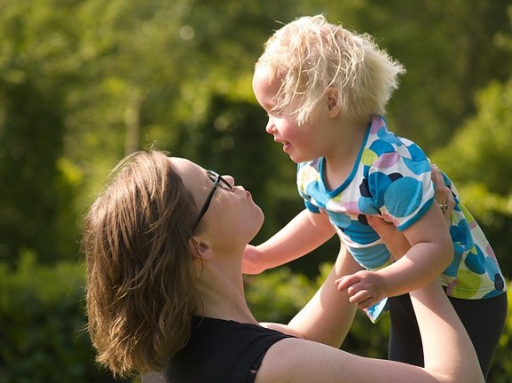 Erziehung mit Spaß , mother-1412008_640