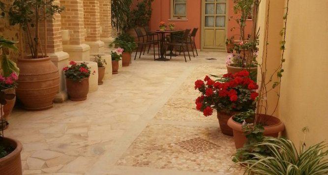 Casa Moazzo Suites Boutique Ηotel