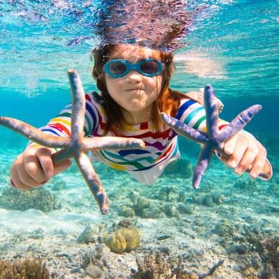 What do children like about Cretan beaches?