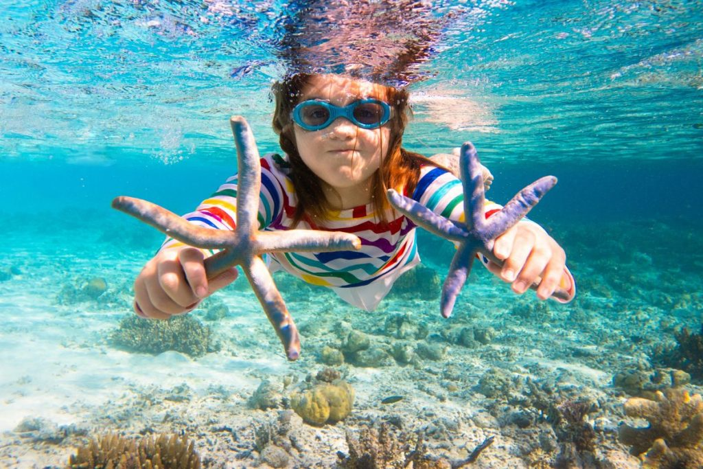 Girl snorkeling child swimming CV