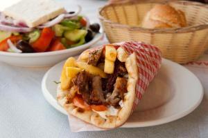 giros souvlaki greek food