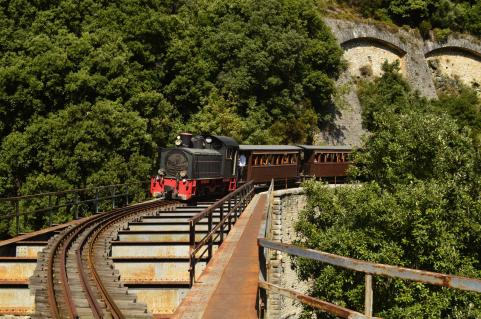 train climbing Pelion mountain tour KidsLoveGreece.com