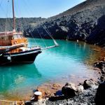 family visit volcano Santorini KidsLoveGreece.com
