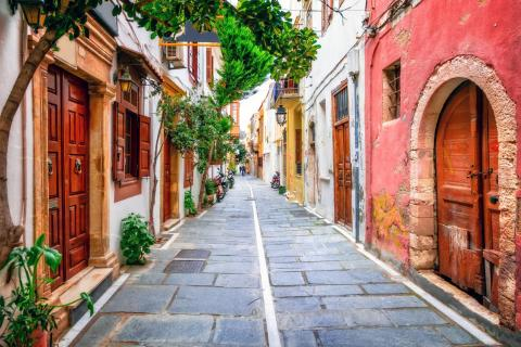 narrow streets of old town Rethymno
