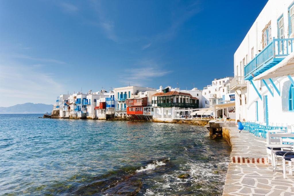 little-Venice-Mykonos-sea