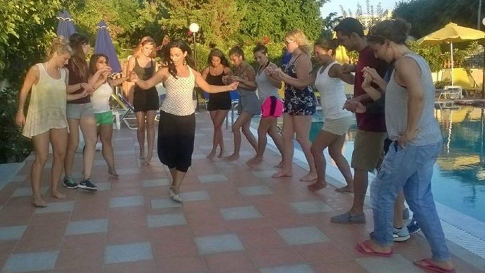 Χόρεψε με τους Ήρωες