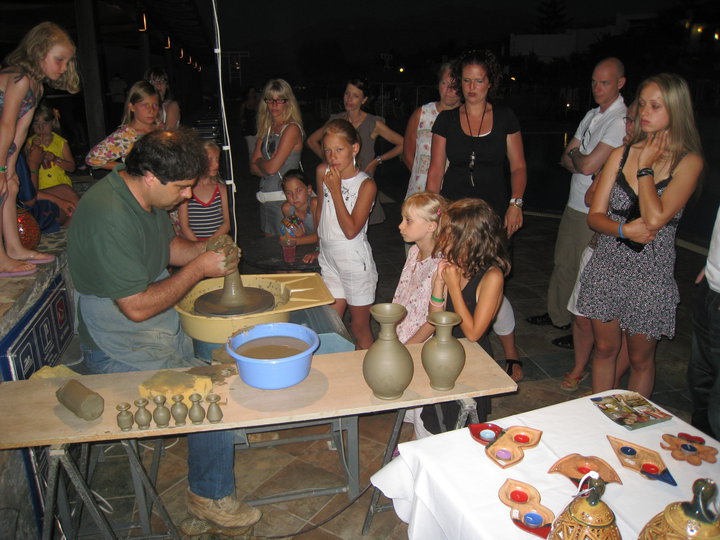 pottery workshop for families KidsLoveGreece
