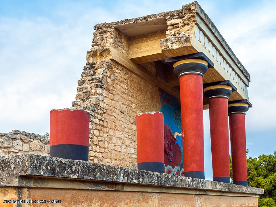 Knossos private kids love greece palace family friendly guided tour archaeological site crete