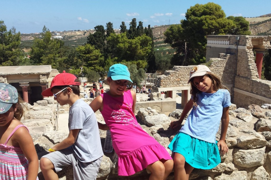 private family friendly guided tour kids love greece archaeological site palace knossos crete