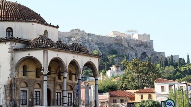 Family walking tour in Athens