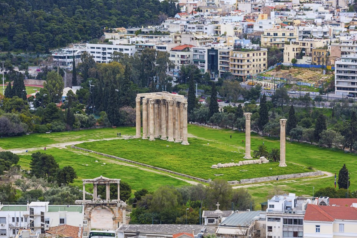 temple of Olympian Zeus Mythology Tour in Athens for families
