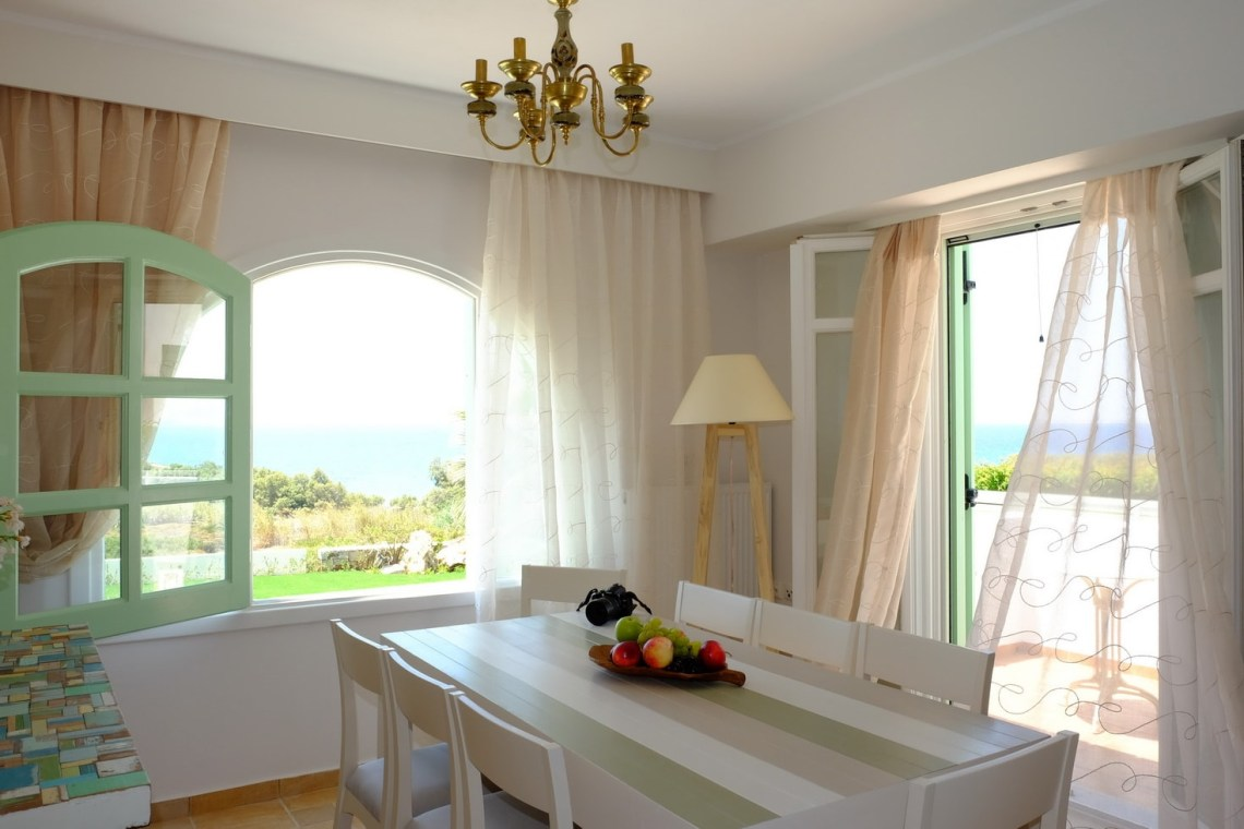 Naxos private 3 bedroom family villa accommodation for familes valea kids love greece