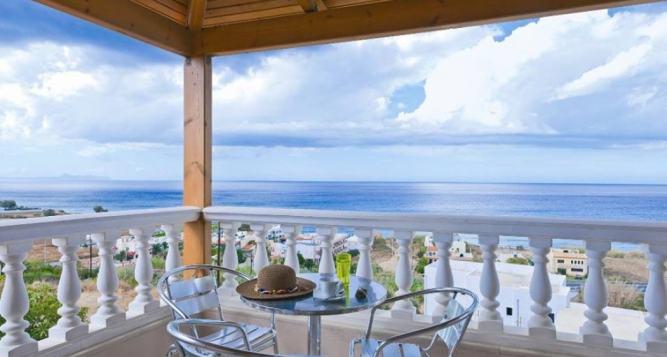 Family Villa Apollon overlooking the Cretan Sea