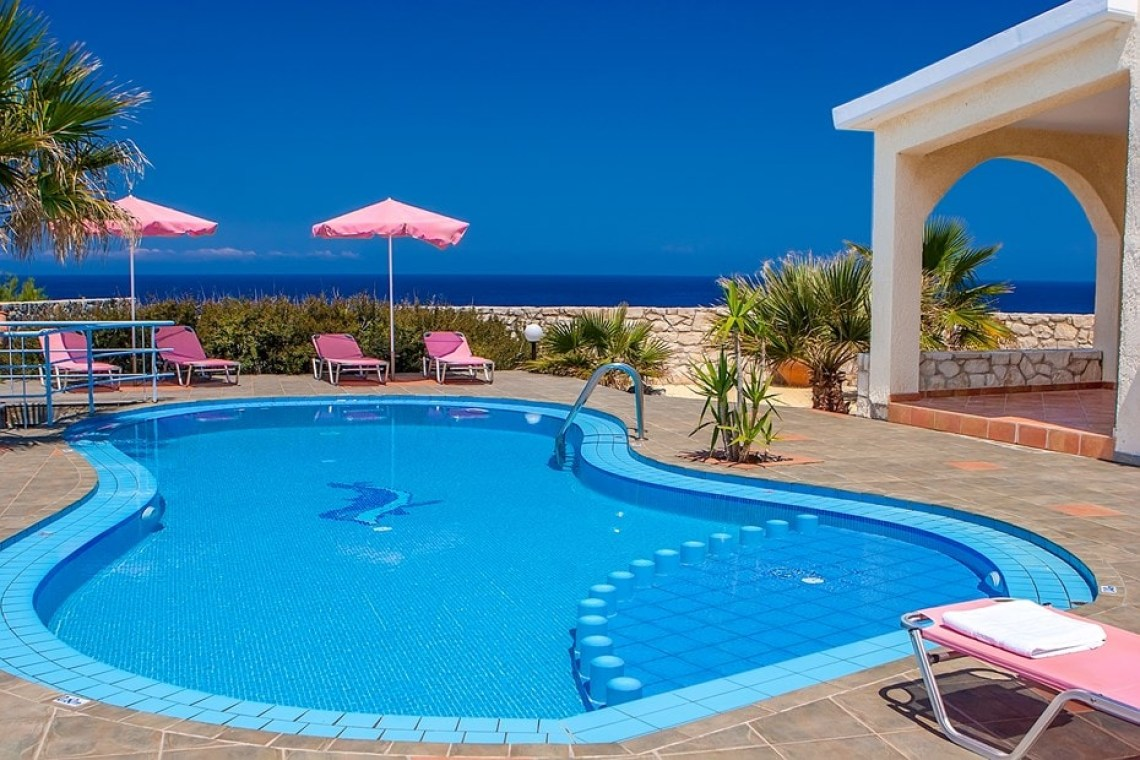 stavros acrotiri chania family villa clio crete kids love greece accommodation for families
