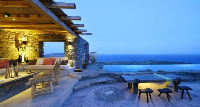 The Drakothea Family Residence in Myconos Island