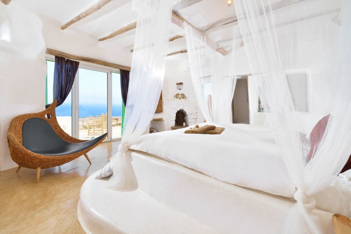 cyclades accommodation for families the Drakothea family residence in Myconos island luxury villa kids love greece