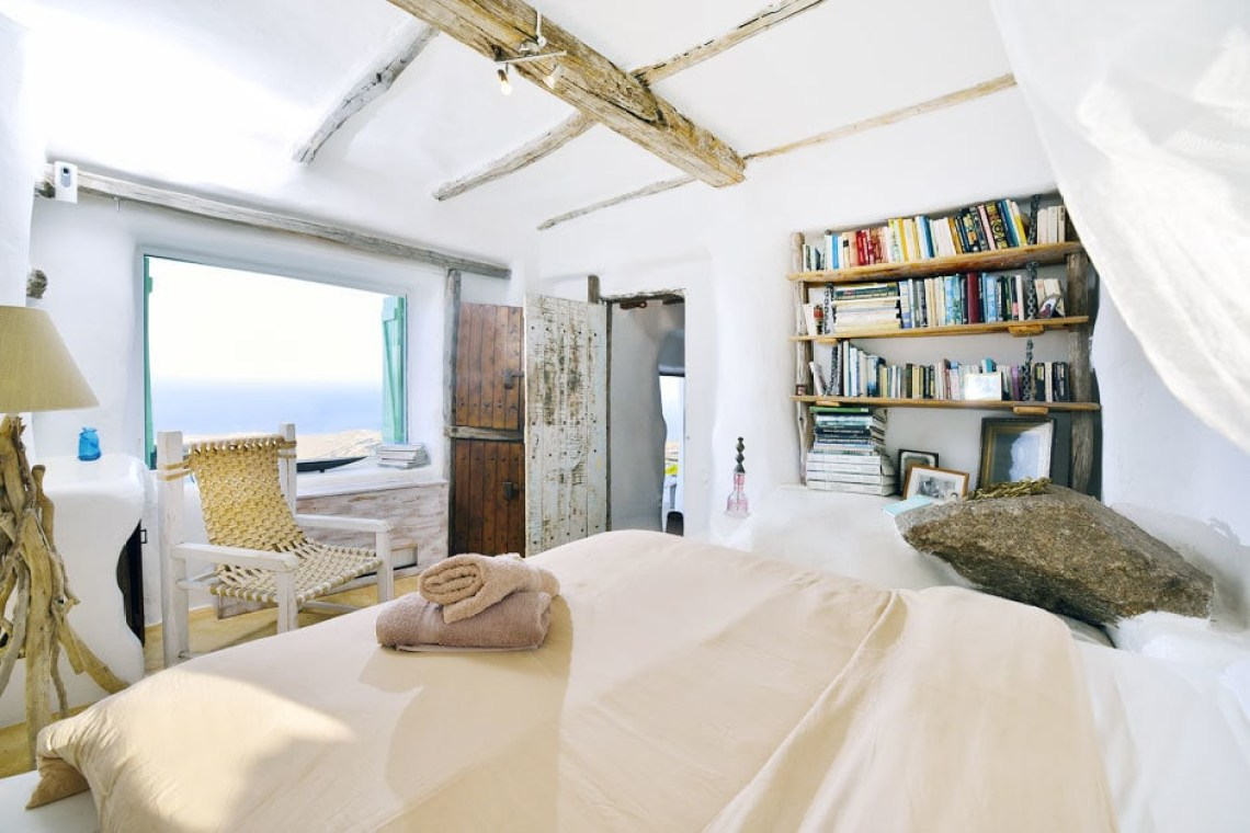 luxury villa cyclades accommodation for families the Drakothea family residence in Myconos island kids love greece