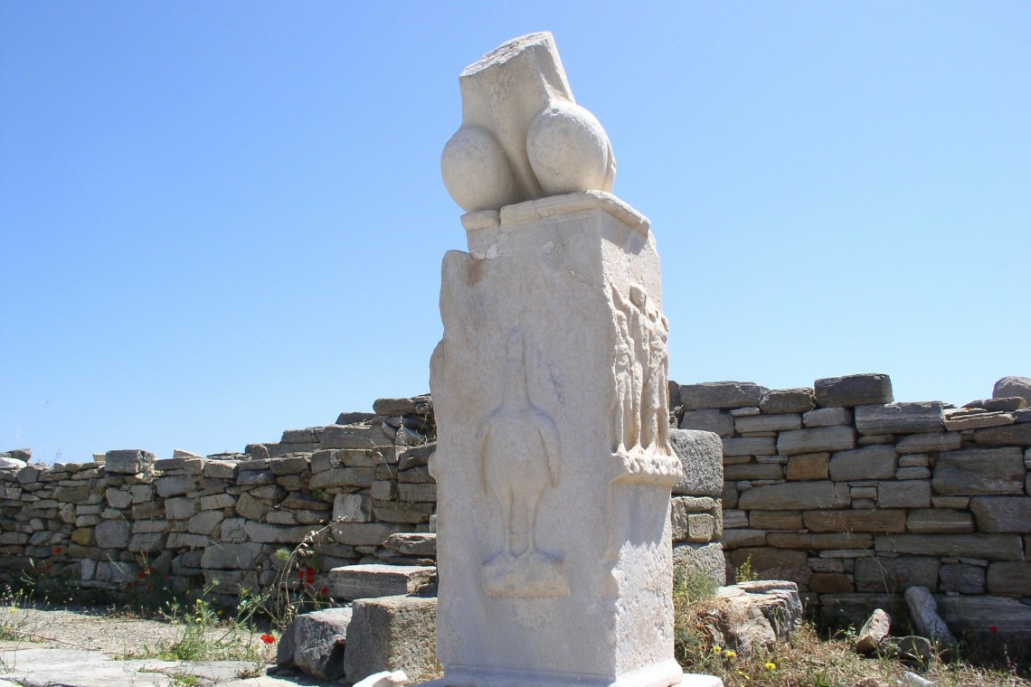 delos island archeological site KidsLoveGreece.com