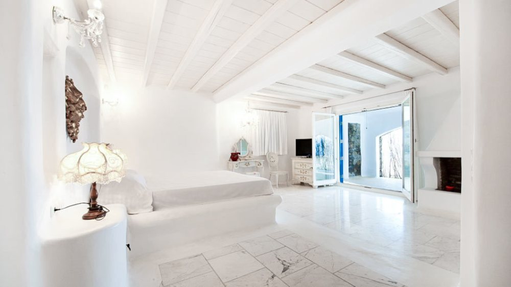 Luxury Spacious Family Summer House in Mykonos