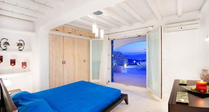 Modern Family Summer House in Mykonos