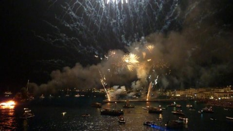 Armata festsival Spetses island KidsLoveGreece.com