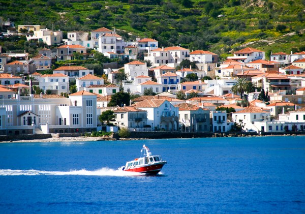 5 Reasons why families LOVE Spetses so much