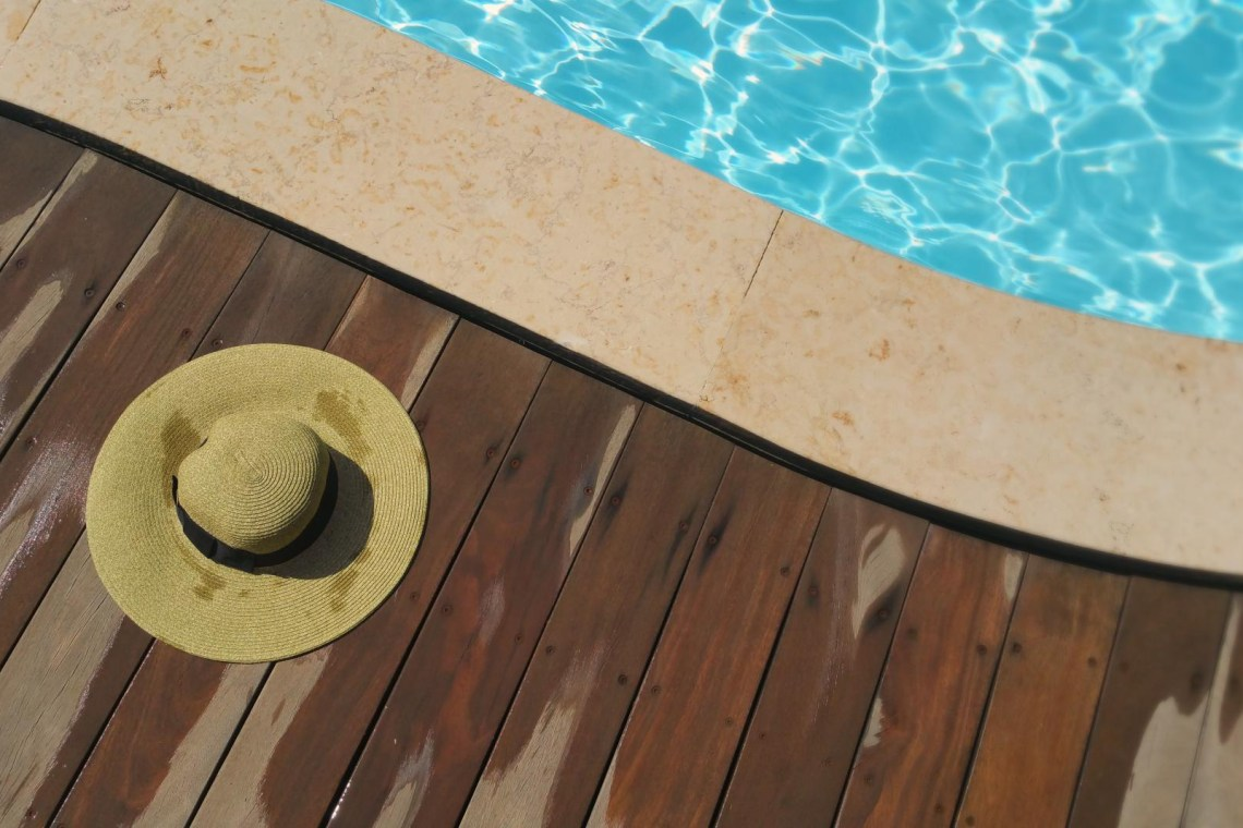 hat left by hotels pool
