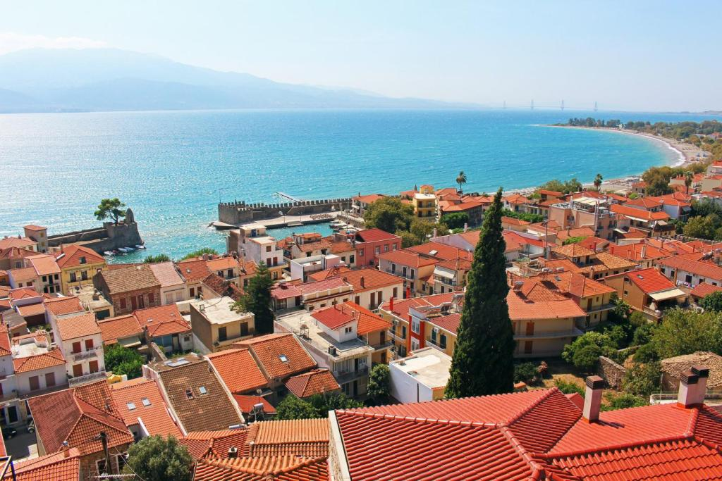 Nafpaktos town greece KidsLoveGreece.com