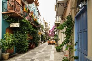 best family friendly hotels in Nafplio Peloponnese kids love greece kyvely hotel Nafplio family friendly accommodation