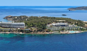 'Welcome to Greece: The First Four Seasons Hotel is opening