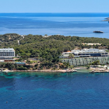 Welcome to Greece: The First Four Seasons Hotel is opening