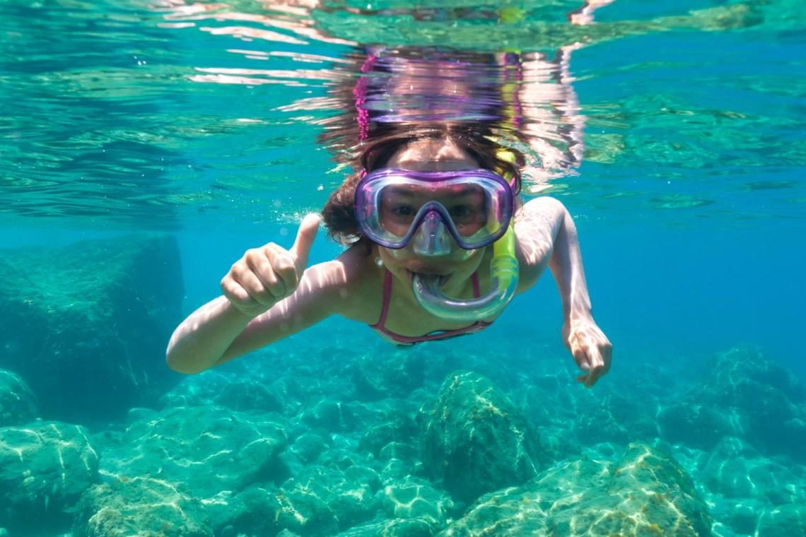 family sailing KidsLoveGreece.com