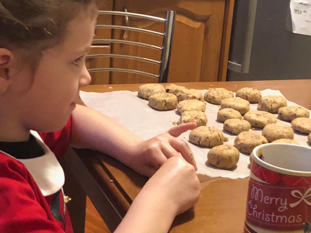 kid makes greek cookies