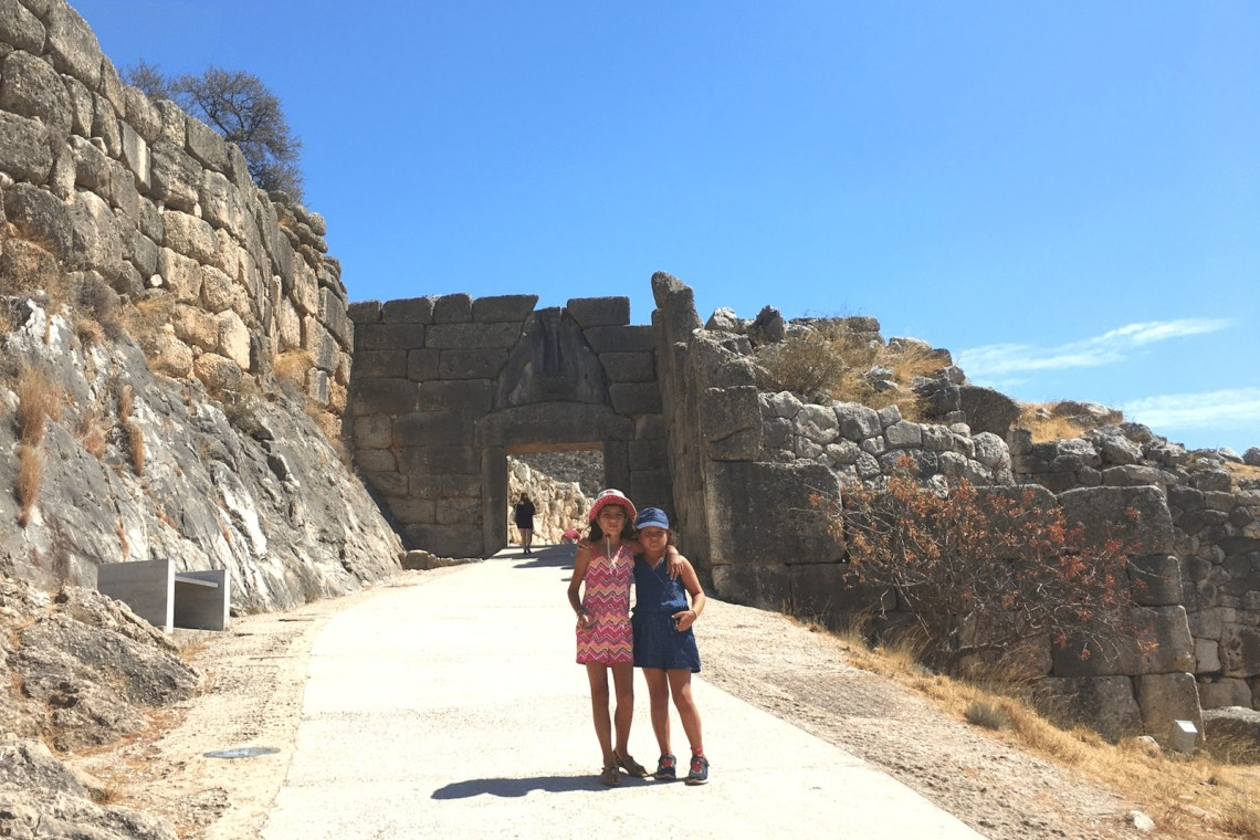 Tour guide for kids Mycenae
