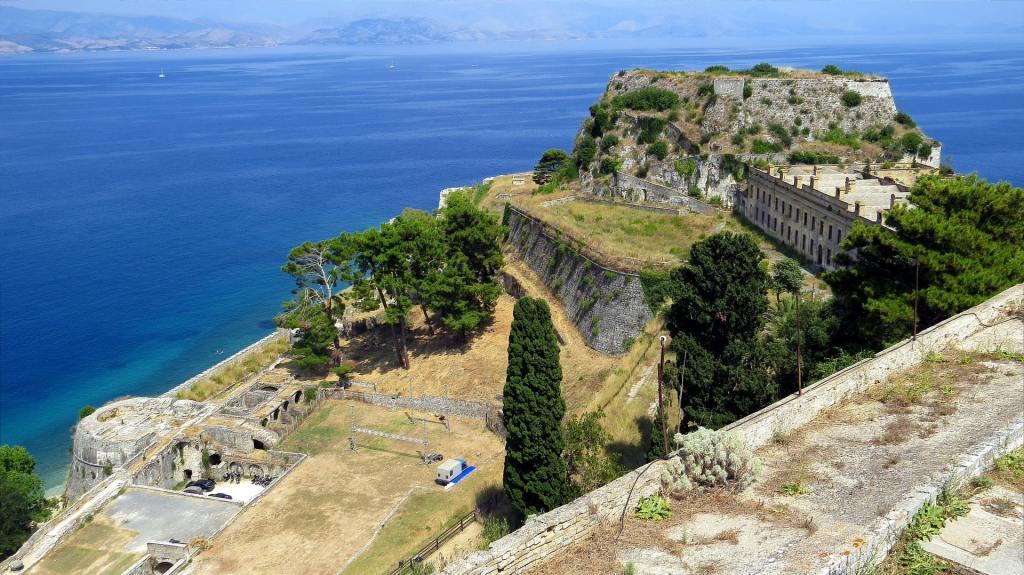 Corfu-castle-PXB-min