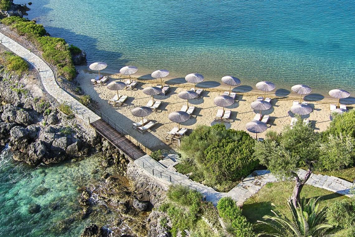 06-Sandy-beach-and-crystal-blue-waters_72dpi-min Corfu