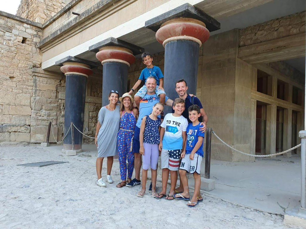 Family friendly Tour in the Palace of Knossos with kids Crete (16)
