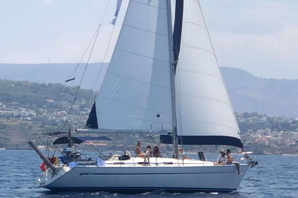 Family sailing Balos Gramvousa private kids (3) 4