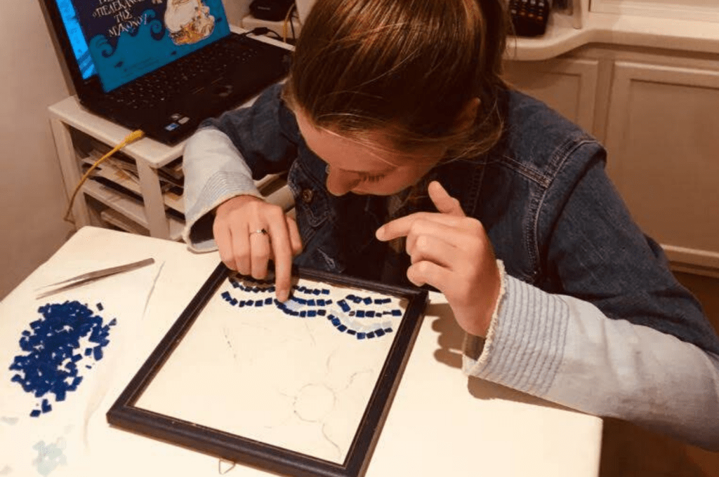 Mosaic workshop Mykonos for families (2)